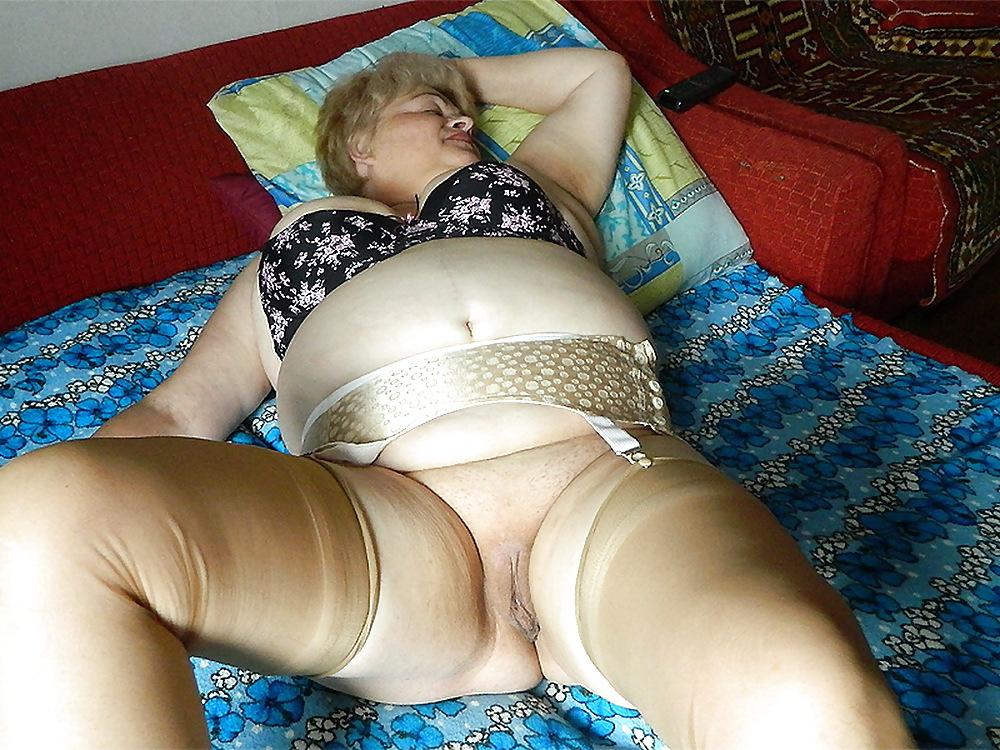 Фото трусах интим бабушки смотреть в