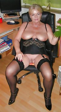Milfs and matures 4